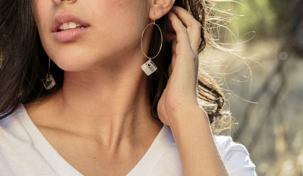 white-cube-hoops-wide-melissa